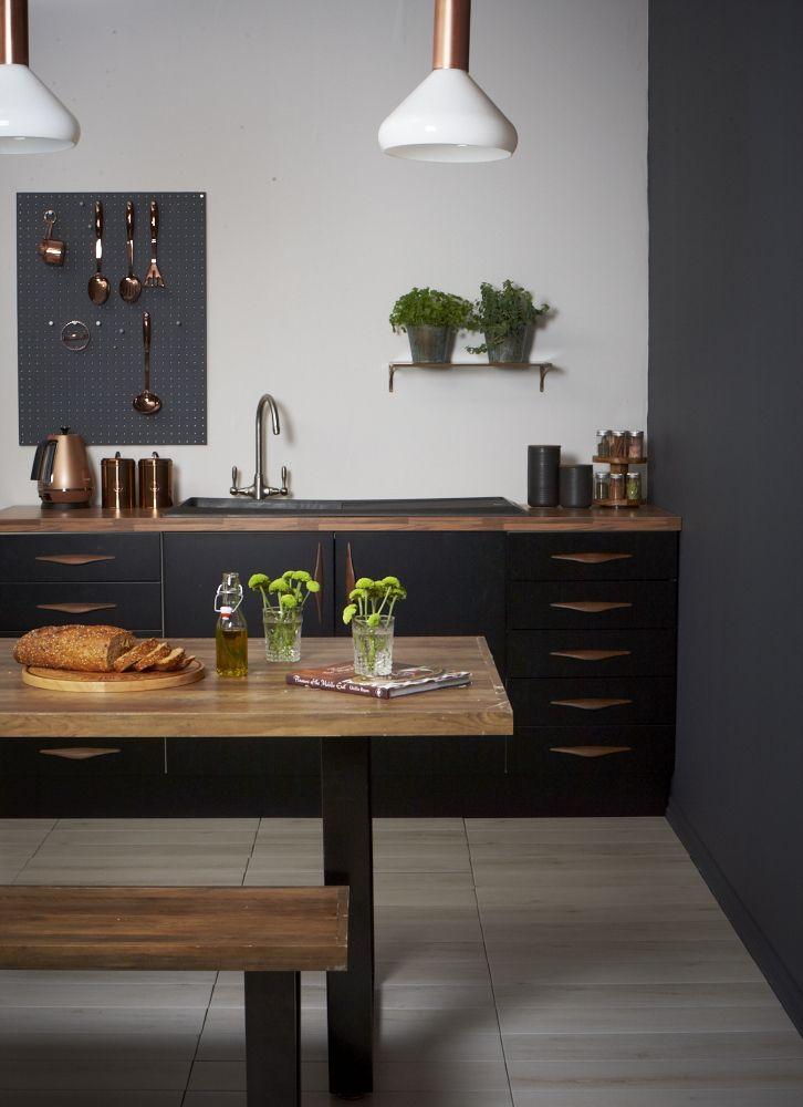 Kitchen Designs: Black and Copper